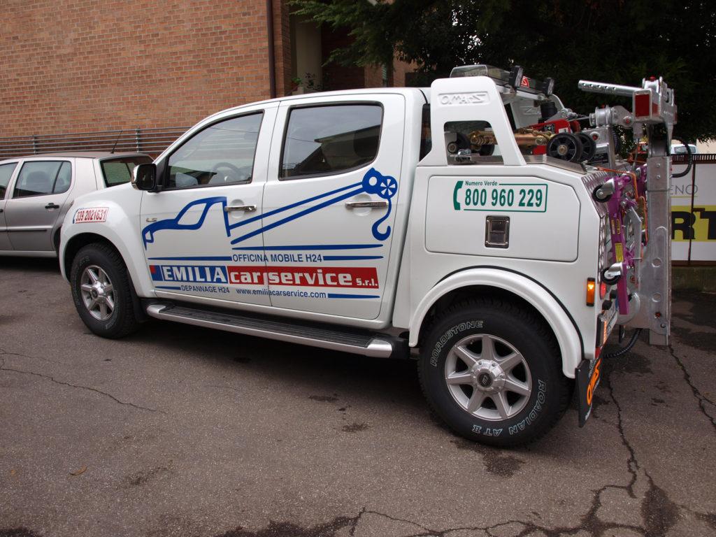 stampa e taglio etichette rifrangenti per veicoli di soccorso